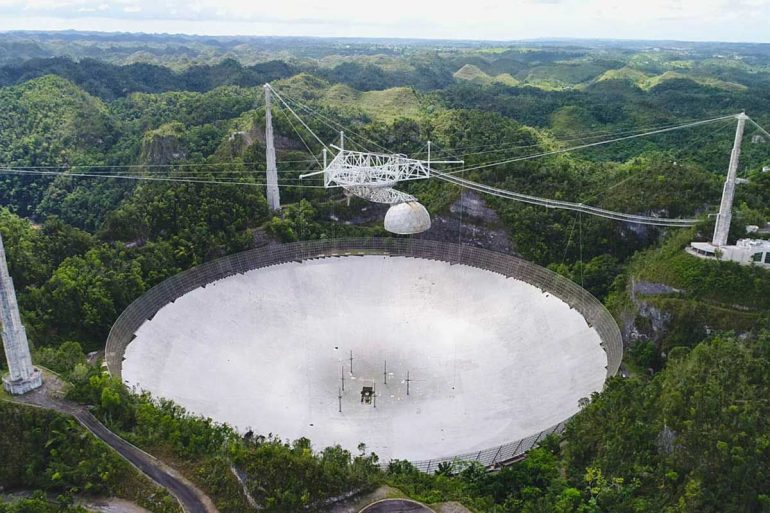 Failure of the second cable causes further damage to the Arecibo Observatory