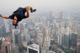 'Jetman' who flew near a plane dies during training in Dubai