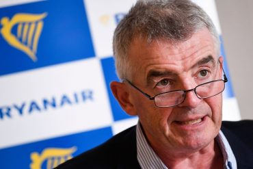 Ryanair sees vaccines paving the way for the summer