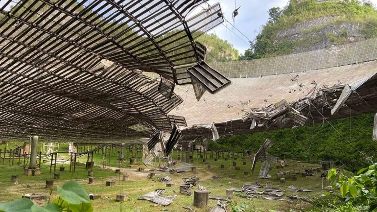 The second cable fails at Arecibo, which causes further damage to the famous seti dish