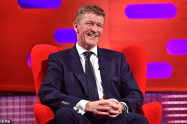 Tim Peake reveals that he saw a UFO in space before realizing that what he was actually seeing were drops of urine.