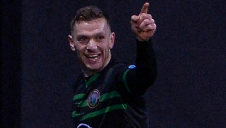 Barry Gray sees Warren Point Town continue their advance after a relentless victory over Carrick Rangers