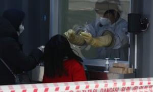 Corona virus live news: UK to start vaccination on Tuesday;  World Health Organization criticizes compulsory vaccines |  World News