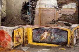 """In Pompeii, an ancient """"fast-food"""" frozen ashes of Vesuvius was found intact."""