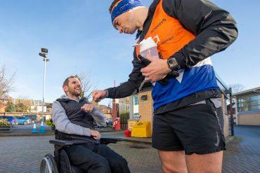 Kevin Sinfield broke the $ 1 million marathon