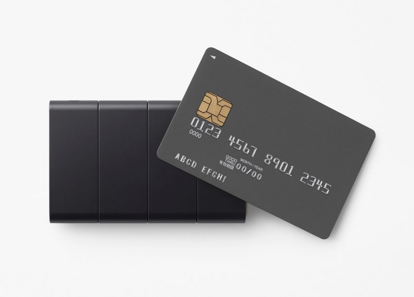 Nendo's slide phone returns to the size of a credit card