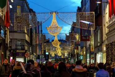 Pubs and restaurants are expected to close their doors on December 30, while inter-county travel will continue until January 6.