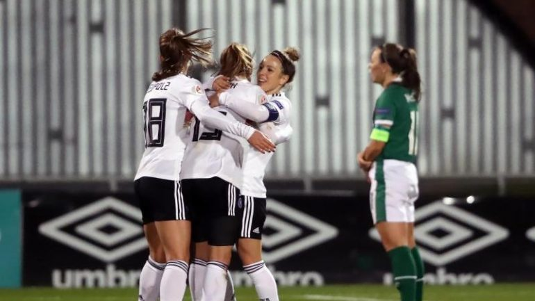 Soccer - European Championship Qualification - DFB women beat Ireland at the end of the sport