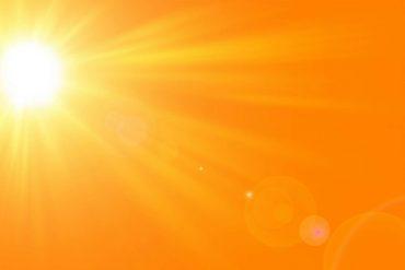 Des chercheurs de l'université de Lancaster (Royaume-Uni) ont mis au point un matériau capable de stocker puis de restituer plusieurs mois plus tard, la chaleur du soleil. © oraziopuccio, Adobe Stock