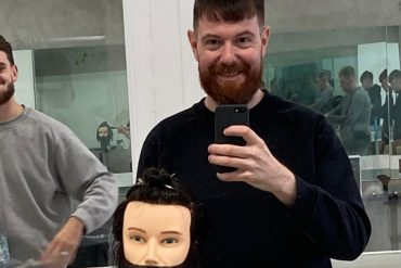 Overseas Spoletini: Stefano Cicarini at the School of 'Beard and Hair' in Green Ireland |  Two world news