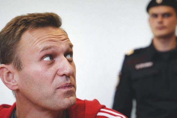 """In Moscow, Navalny jail until February 15.  """"Putin, the ogre of the pipeline, is afraid of the people in the square.""""  Demonstrations on January 23rd"""