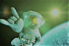 Al Masri Light / How do astronauts bathe during their journey ?: A tough challenge