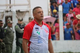 """New River-PI coach Emanuel Sacramento reveals he is aware of the pressure for the title: """"This is Pia's biggest club"""" 