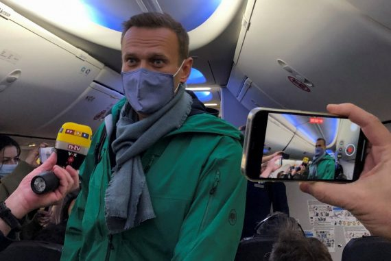 Russian police arrest rival Alexei Navalny at Moscow airport  The world