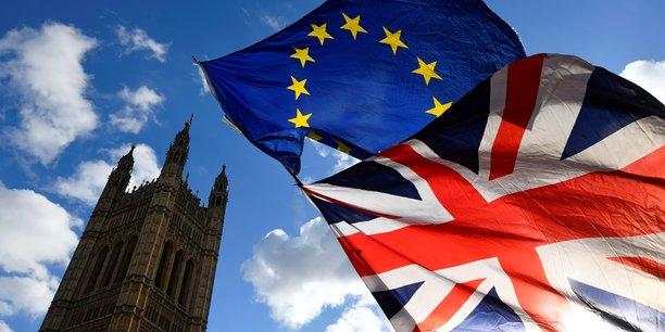 1er janvier 1973: le Royaume-Uni intègre la CEE, en même temps que l