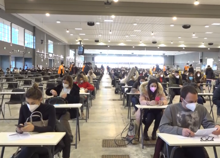 Barry launches lone local competition for nurses: Tens of thousands attend Fiera del Levante