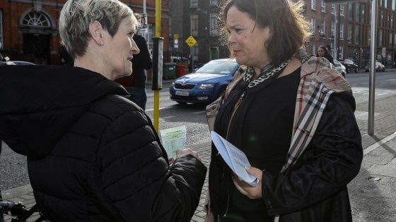 Ireland goes to the polls: Sinn Fൻin nationalists ahead of the vote
