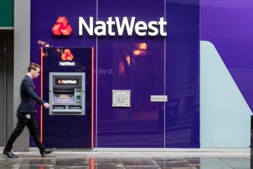 NatWest falls into the red in 2020 and retreats from Ireland