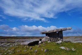 Ireland: Lonely Planet's Best Journey 2021 Buran Crown