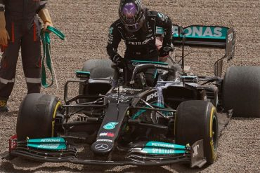 Lewis Hamilton defeats Mercedes, Daniel Ricciardo is the fastest
