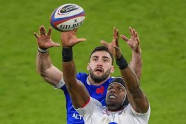 Rugby: England hold up French-rugby