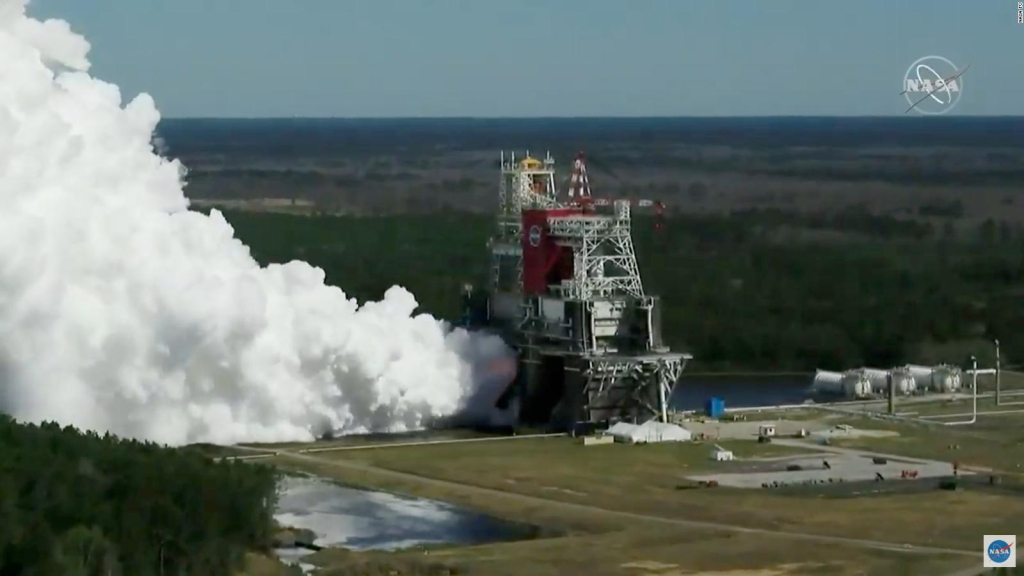 NASA successfully tests a rocket for a mission to the moon