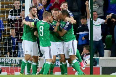 Pior jogador da história do FIFA quer levar a Irlanda do Norte à Copa como treinador. AFP