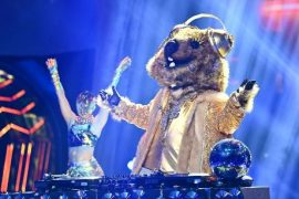 """""""Masked Singer"""": This dress is exposed!"""