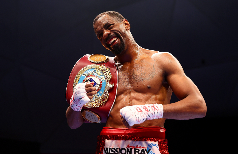 The American WBO defended the featherweight belt remarkably