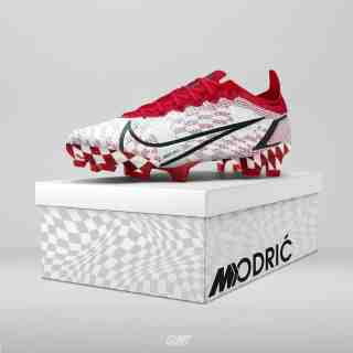 Checked Crampon by Luka Modric.  (DR)