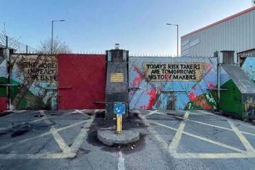 Northern Ireland: Riots erupt in Belfast