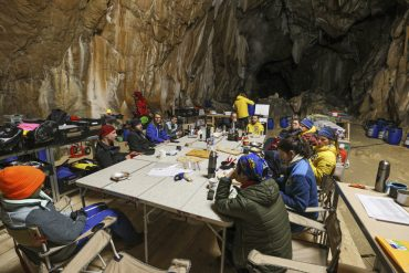 France    40 days in a cave for an experience