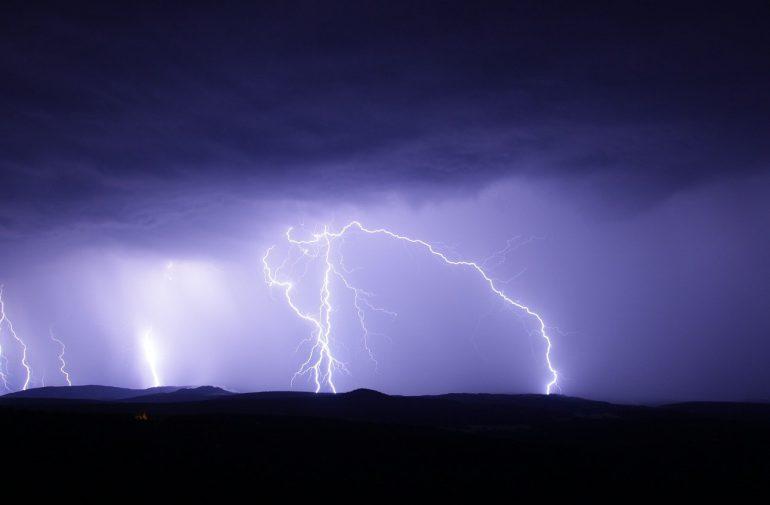Clouds, rain, thunder!