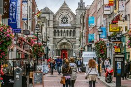 Rua em Dublin, na Irlanda