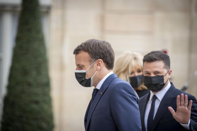 On Friday, April 16, he received Ukrainian President Volodymyr Selensky at the Elysee Palace.