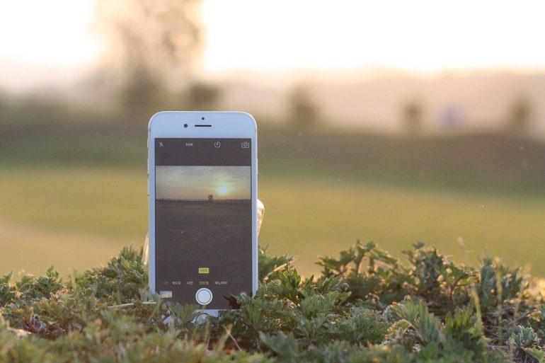 celular-bajo-el-sol