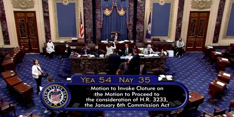 In the United States, Republicans prevent the creation of a commission of inquiry into the attack on Capital.