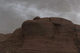 """El róver Curiosity de la NASA capta nubes inusuales en Marte que """"brillan por la noche"""""""