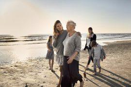 Quedar con amigos y familiares contribuye al bienestar mental