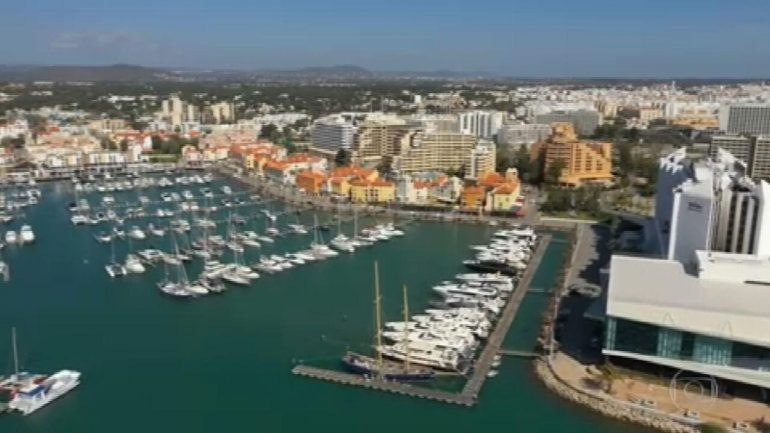 After controlling the epidemic, Portugal becomes one of the most sought after places by the British    National newspaper