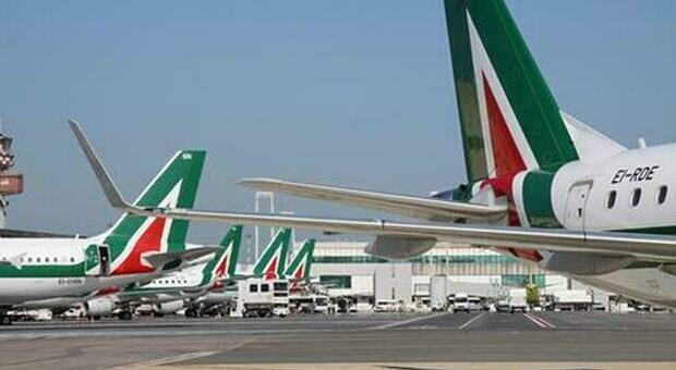 """Alitalia paid April's salary twice, tomorrow and Tuesday.  Westager: """"Avoid irrevocable choices"""""""