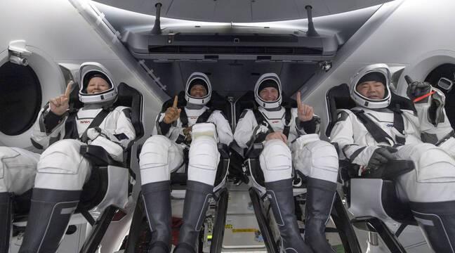 """""""Difficult Breath"""", """"Unique Experience"""" ... Crew Dragon's Astronauts Return to Earth"""