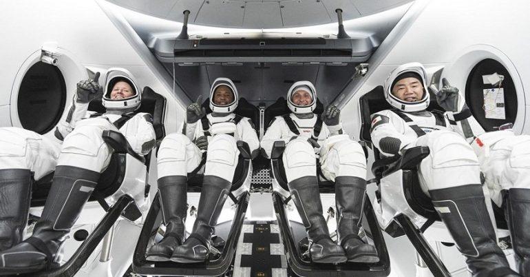 Patru astronauţi au părăsit Staţia Spaţială Internaţională la bordul unei nave SpaceX, către Pământ