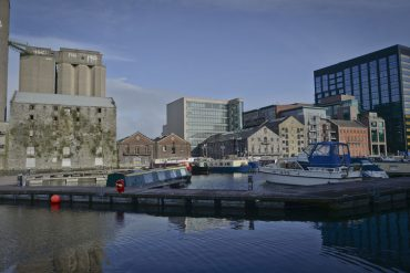 Ireland imposes shipping ban on Italian immigrants  EU demands explanations