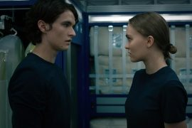 """Lily-Rose Depp, Colin Farrell, """"Voyager"""" tense with a space legend"""