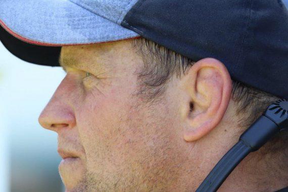 Rugby.  Former FC Grenoble coach DeWald Seneca to return to Ireland