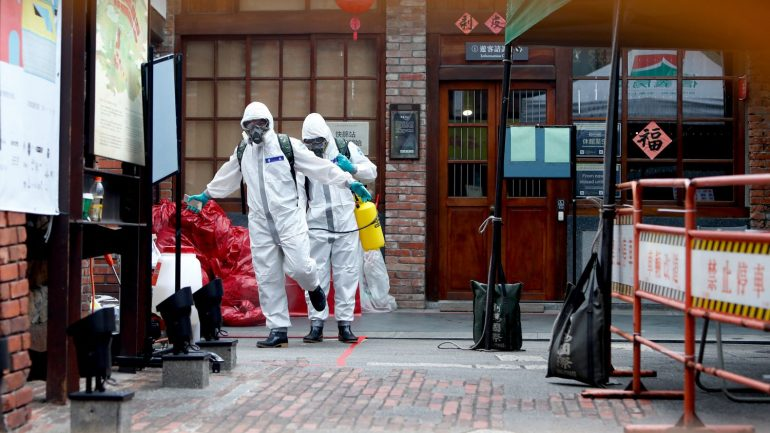"""Why does the World Health Organization fear that the second year of pandemic is """"more deadly than the first""""?"""