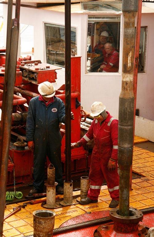 Joyds Resolution Research ship drills sediment core