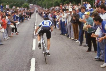 When the Tour de France leaves Brittany: 1985 Plumelec congratulates Bernard Hinolt.  Sports