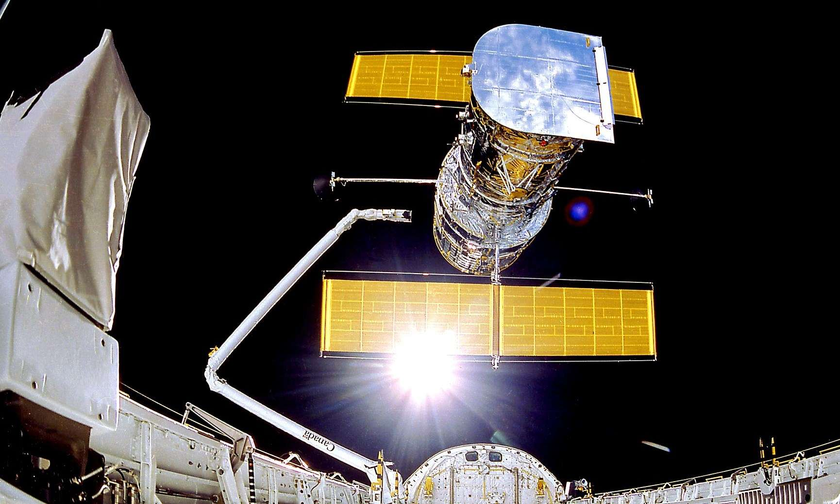 The Hubble Space Telescope was completely shut down for several days following the failure of the on-board computer.  © NASA / Smithsonian Institution / Lockheed Corporation